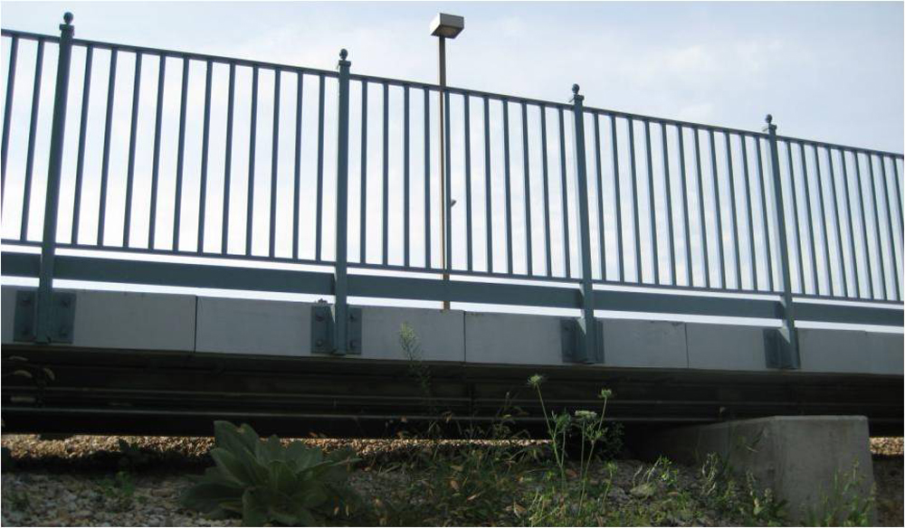 06-Railing-attached-to-edge-of-panels.jpg