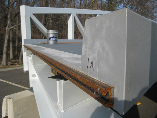 06-End-of-deck-has-expansion-joint.jpg