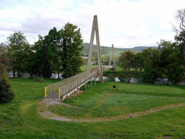 Aberfeldy_Golf_Course_bridge_-_geograph.org.uk_-_1311420.jpg