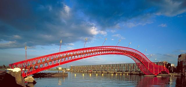Amsterdam Ped Bridge 1.jpg
