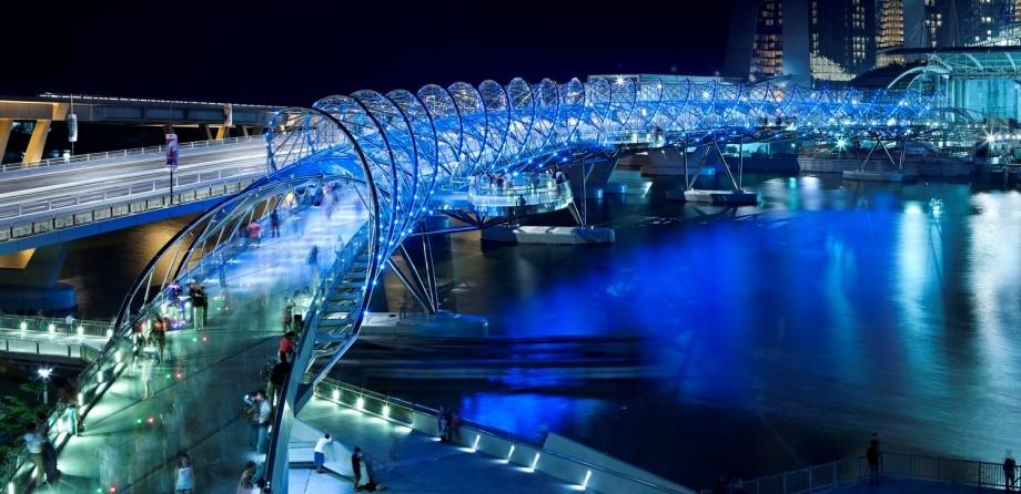 Singapore Ped Bridge 1.jpg