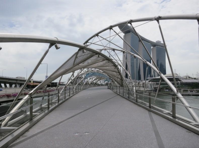 Singapore Ped Bridge 2.jpg